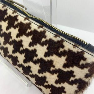 Dogtooth Print Pouch with Arm Strap