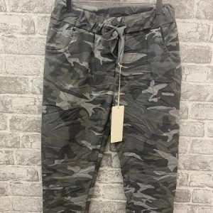 Camo trousers in grey
