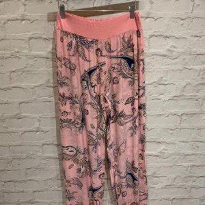 Harem pants in pink paisley print
