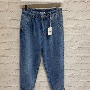 Blue wash boyfriend jeans