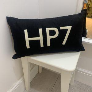 HP7 Black cushion