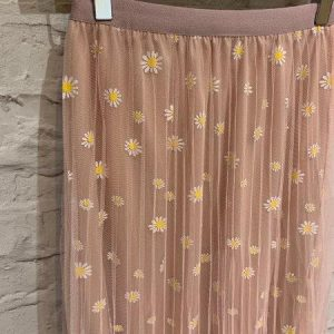 Pink daisy print mesh skirt