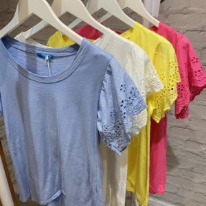 Broderie sleeve t-shirts
