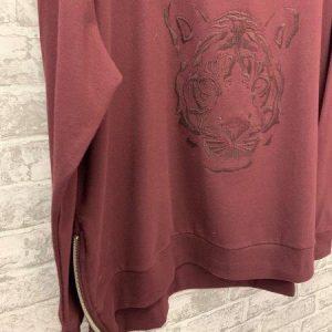 Wine tiger embroidered zip sweatshirt