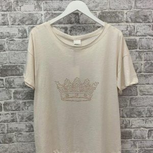 Cream raw edge scoop t.shirt with stud crown