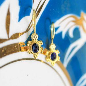 Antique blue sapphire corundum stone drops
