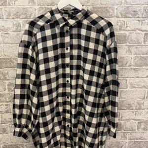 Black & white oversized shirt