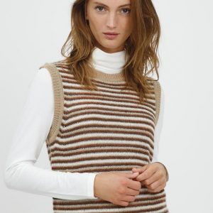 B.young knitted striped vest